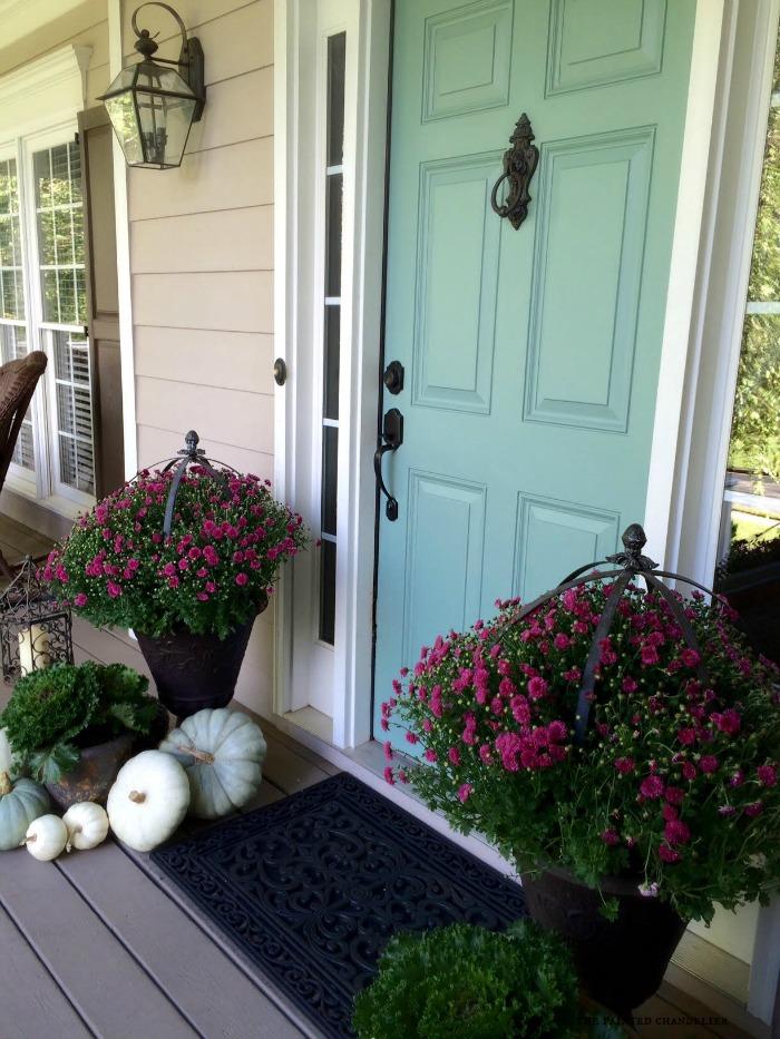 front-door-mums-and-pumpkins-fall-2015